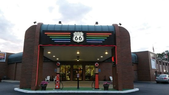 Route 66 Hotel & Conference Center