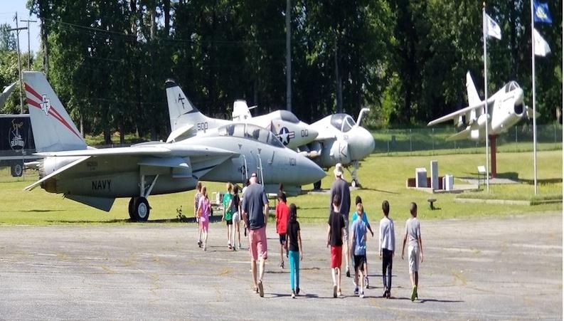 Airplanes and Aircrews